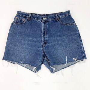 Levis 550 Vintage Denim Cut-Off Denim Shorts 16